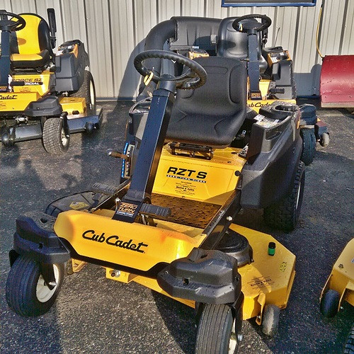 2016 CUB CADET RZT-S46 ZERO TURN MOWER