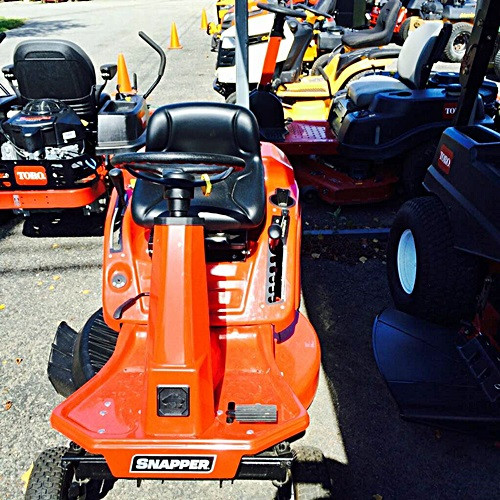 2017 Snapper Rear Engine Riding Mower