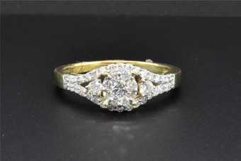3 Stone Diamond Engagement Ring 10K Yellow Gold Solitaire Round Cut 0.63 Ct