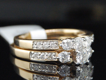 Ladies 14K Yellow Gold 3 Stone Diamond Engagement Ring Wedding Bridal Set