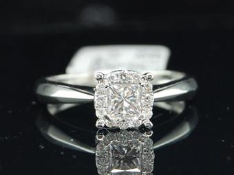 Ladies 14K White Gold Princess Cut Diamond Solitaire Engagement Bridal Ring .5Ct