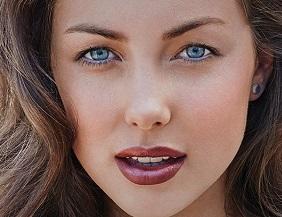 Model wearing Inika Organic makeup