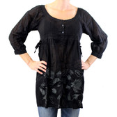 Black tunic with embroidered flowers by Mororeno.