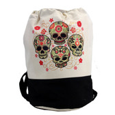 Sturdy duffel with 4 skull design.