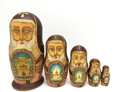 Golden Ring Artistic Matryoshka opened up
