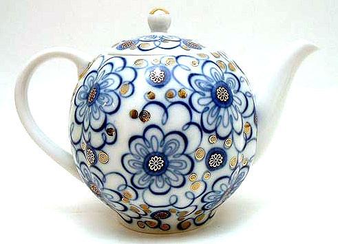 Winding Twig Teapot from Lomonosov Porcelain in St. Petersburg, Russia