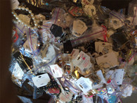 Wholesale Lot of Assorted Costume Jewelry, Brand Name Fashion Jewelry Approx. 100 Pieces