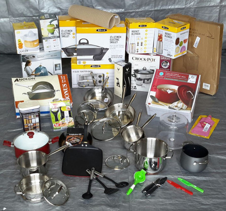 WHOLESALE manifested LOT OF SMALL KITCHEN APPLIANCES, ELECTRICAL & NON-ELECTRICAL, APPROX. 32 PCS MANIFESTED