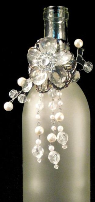 """Pack of 3 Clear and White Beaded Flower Shimmer-Ring Wine Bottle Charms 6"""" - 31010516"""
