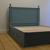 Beadboard Platform Bed with Drawers