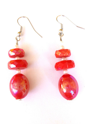 Sparkling Red Lacquer Bead with Complimentary Accents