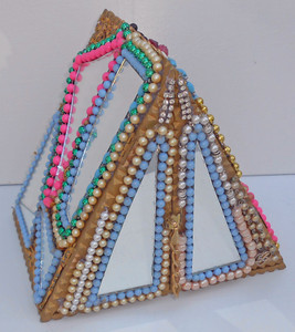UNIQUE MIRRORED TRIANGLE CIGAR BOX by Pops Casey