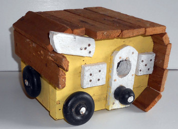 TRAVEL TRAILER BIRDHOUSE by Wayne Keck
