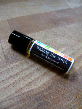 Waking the Witch Hair & Perfume Oil - Sticky Resins, Smoke, Dried Apple, Blackened Flowers...