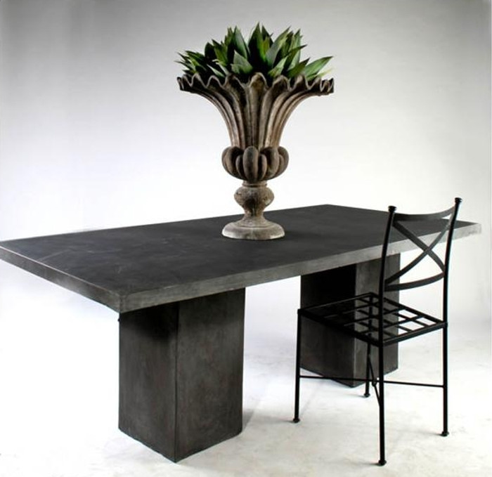 Epos outdoor dining chair. Galvanized and black powder-coat.