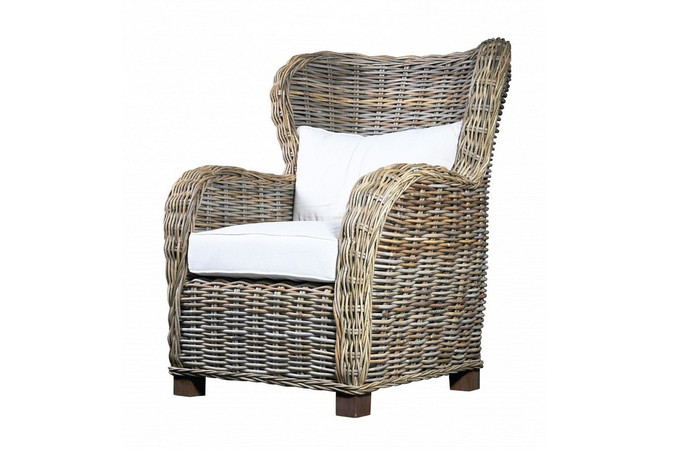 Queen rattan armchair