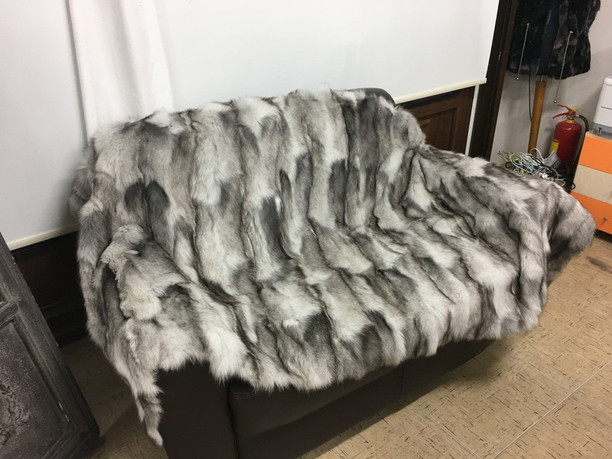 Blue frost fur blanket/throw