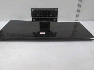 RCA 46LA55R120Q STAND/BASE 244298000 (SCREWS INCLUDED)