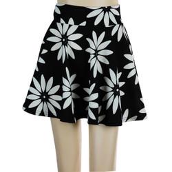 Daisy Short Skater Skirt Black and White