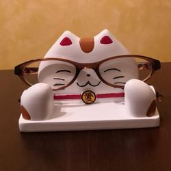 """Maneki Neko Eyeglass Stand Japanese Lucky Cat 4.75""""L"""