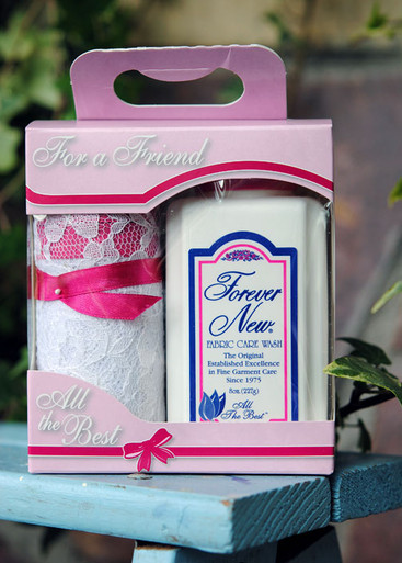 """""""For a Friend"""" gift box"""