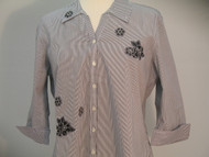 White Stiched Flower 3/4 Sleeve Shirt
