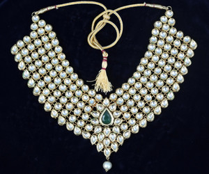 Traditional Ethnic Bollywood Kundan Wedding Heavy Golden Necklace Jewelry Set
