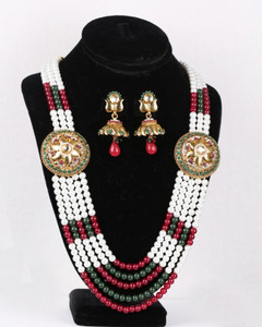 Traditional Rajwadi Set with matching Earrings