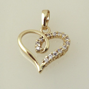 18K030-18 karat Gold plated Heart shaped pendant embedded with cubic zirconia stones