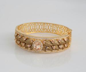 Topaz stone bracelet