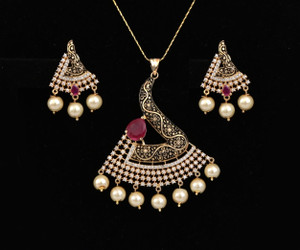 Bollywood fashion Gold Plated Ruby, White stones and Faux pearl Pendant set for Women