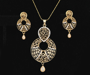Bollywood designer Round Shaped American Diamond Pendant with White CZ Stone for Women