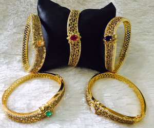 Bangles in wholesale price