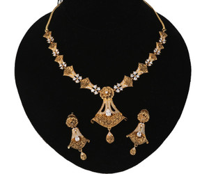 Floral Design Necklace in Gold Tone | With Cubic Zirconia | Clear stone