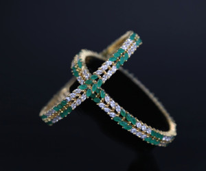 Emerald bangle set