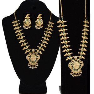Beautiful Designer Wedding Ware Gold Plated Women Necklace Set with emerald stones