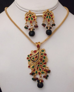 Antique Gold plated fashion necklace with pendant  with green and red stones-21ATQP