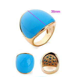 18K gold plated ring size 7 with Turquoise color bea