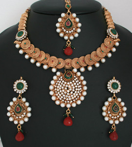 Beautiful White polkistones and Imitation Pearls Design Polki Gold Plated Jewellery Set-011PLKJ57