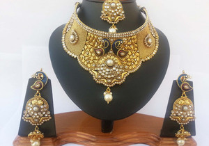 Pearl and clear crystal wedding jewelry set handcrafted on a gold background-JEWELRYCR13