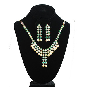 BEAUTIFUL  Kundan Clear and green stone Necklace set with Earring