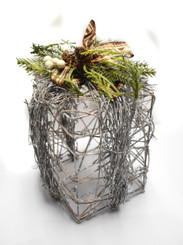 GIFT BOX VINE - WRAPPED - TALL - 6.2 x 9.8""
