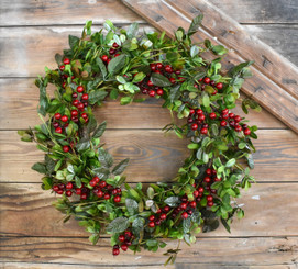 MISTLETOE & BERRY WREATH - 22""