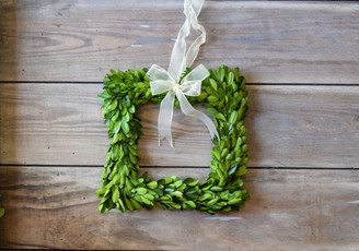 PRESERVED BOXWOOD WREATH - SQUARE - 8""