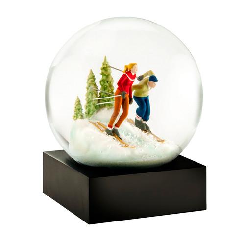 *2017* Skiers Snow Globe