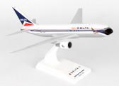 Skymarks Delta Boeing 767-200 Scale 1/200 SKR910
