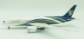 INFLIGHT 200 OMAN AIR BOEING 787-8 DREAMLINER A4O-SB WITH STAND  SCALE 1/200 IF78781017
