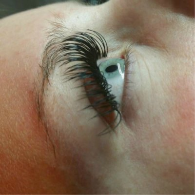 lash-artist-of-the-week-luisana-ramirez-photo-of-eyelash-extensions-by-lash-stuff.jpg