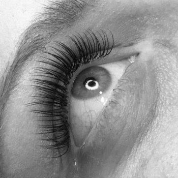 lash-artist-of-the-week-victoria-vicker-photo-of-eyelash-extensions-by-lash-stuff-2.jpg