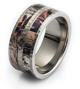 Men's Titanium Double Barrel Hammered Camo Ring